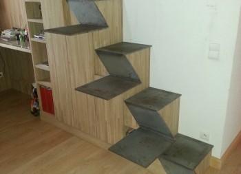 Escalier metallique pas japonais